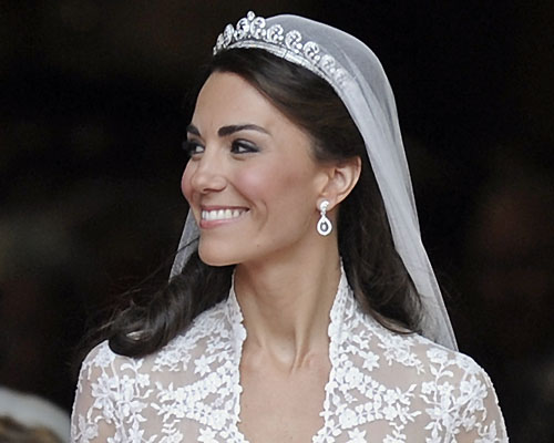 kate middleton wedding hairstyle. And Kate#39;s wedding day #39;do was