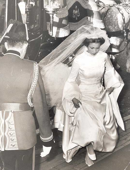 Princess Anne Wedding Dress Pictures : Royal wedding a look at the dresses worn by previous british