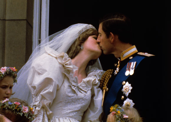 kate middleton william kiss. Kate Middleton will break with