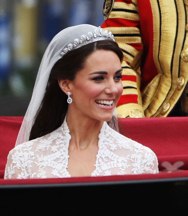 Royal Wedding Kates Earrings And Tiara
