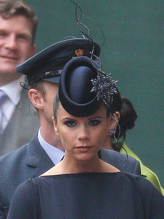 http://royalweddings.hellomagazine.com/imagenes/prince-william-and-kate-middleton/20110429661/philip-treacy-hats-royalty-wedding/0-2-382/philip-treacy-1--a.jpg