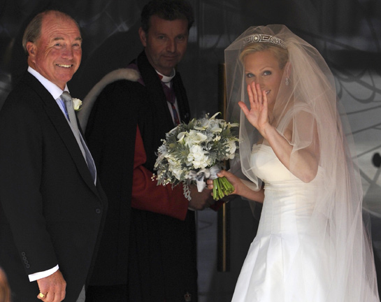 Royal Wedding Zara Phillips Stewart Parvin Dress Is Revealed As She Arrives To Marry Mike